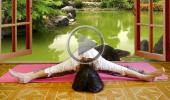 Развитие женственности и асаны йоги для начинающих 6 Упавишта Канасана