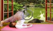 Развитие женственности и асаны йоги для начинающих видео урок поза Плуга