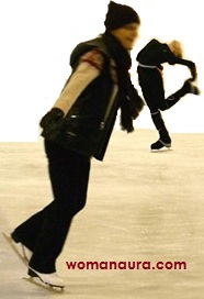 Польза йоги – как научиться кататься на коньках